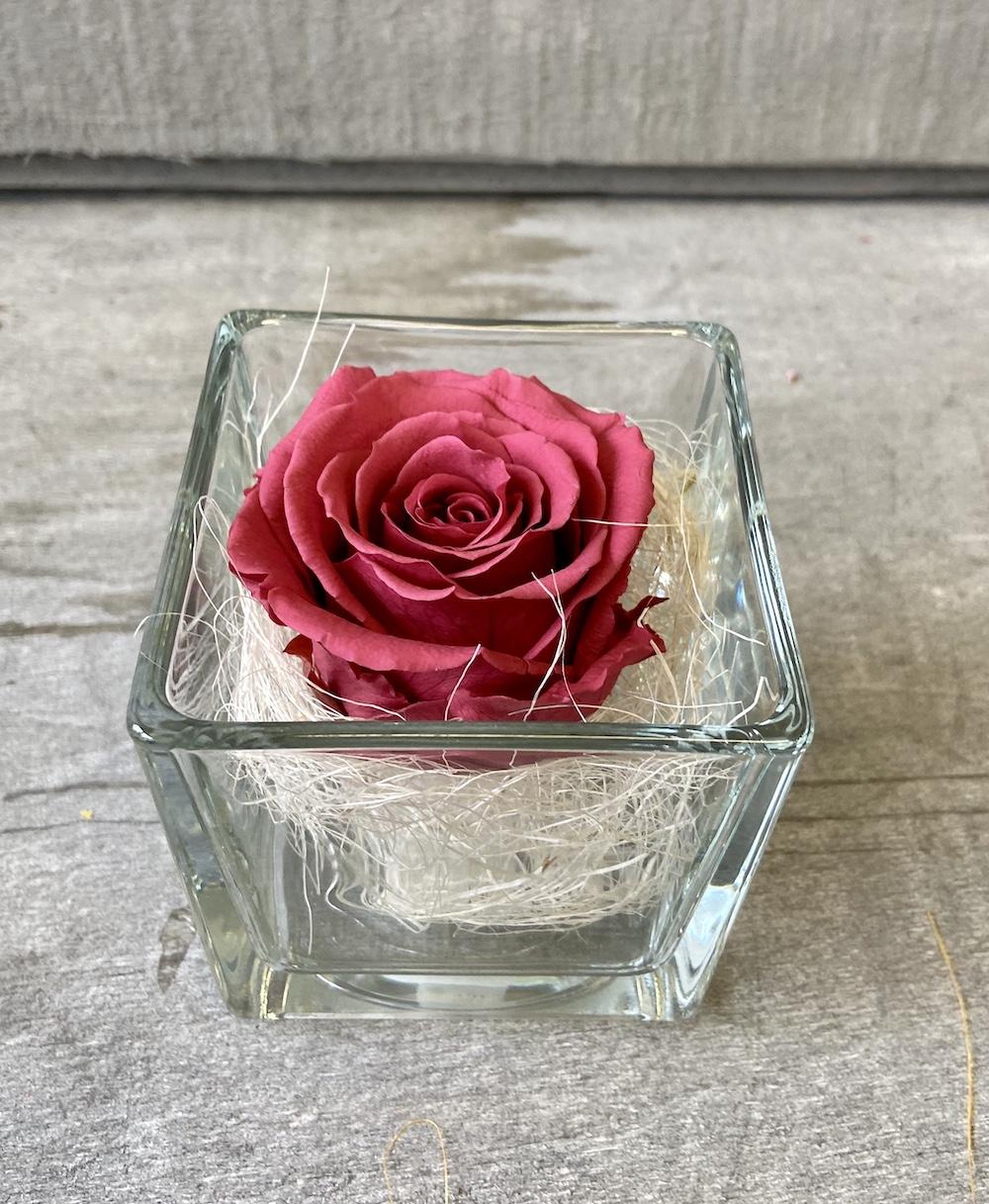 flower box rose stabilizzate cranberry florashopping Rossana flower store NovellinoIMG_0676