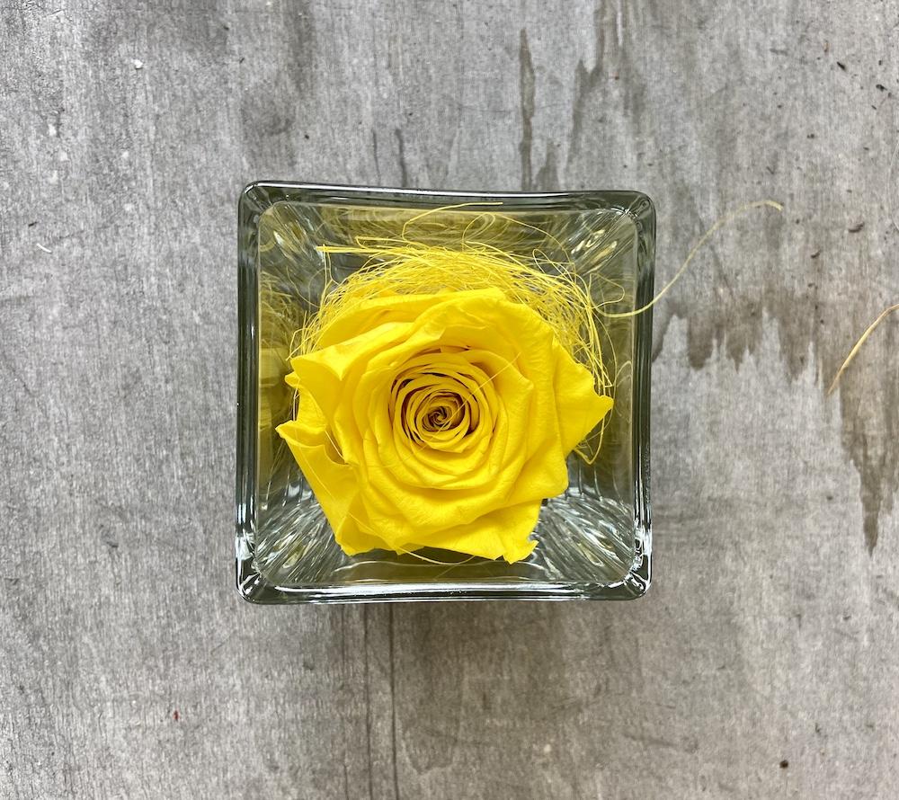 flower box rose stabilizzate gialle florashopping Rossana flower store NovellinoIMG_0489