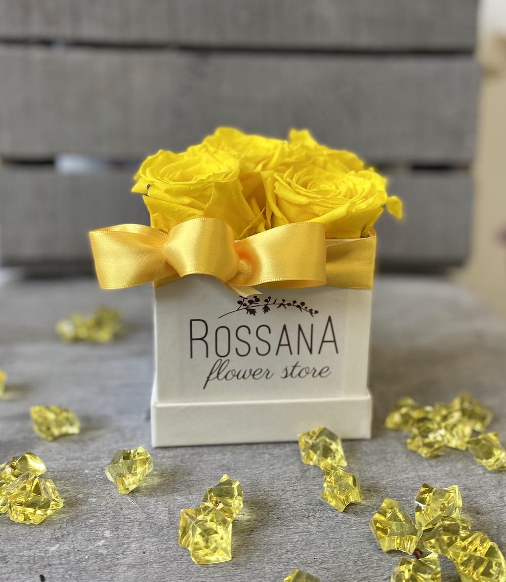flower box rose stabilizzate gialle florashopping Rossana flower store NovellinoIMG_0507