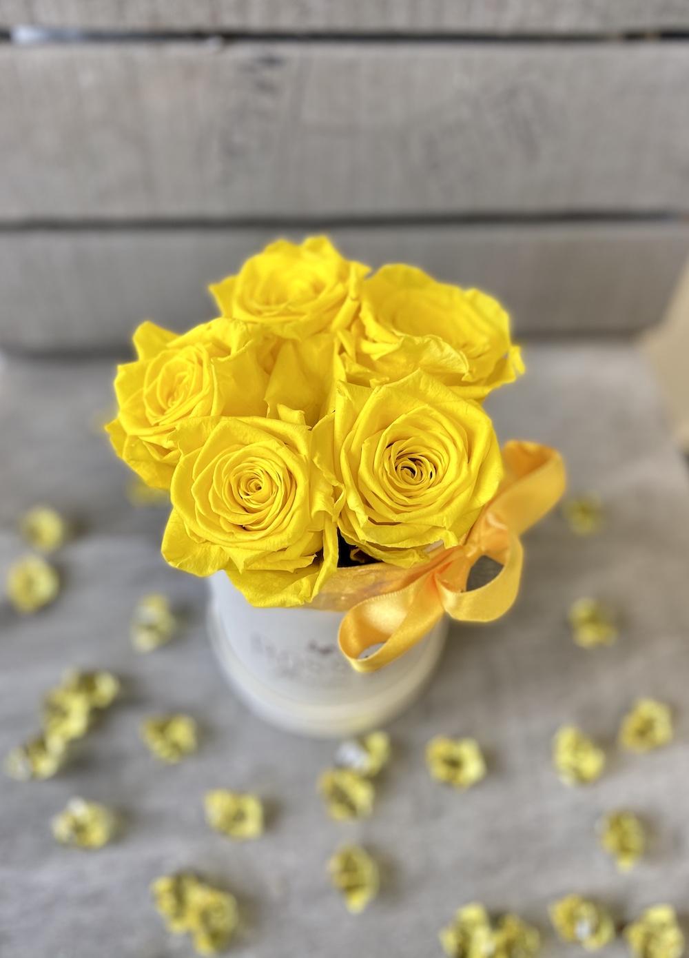 flower box rose stabilizzate gialle florashopping Rossana flower store NovellinoIMG_0564