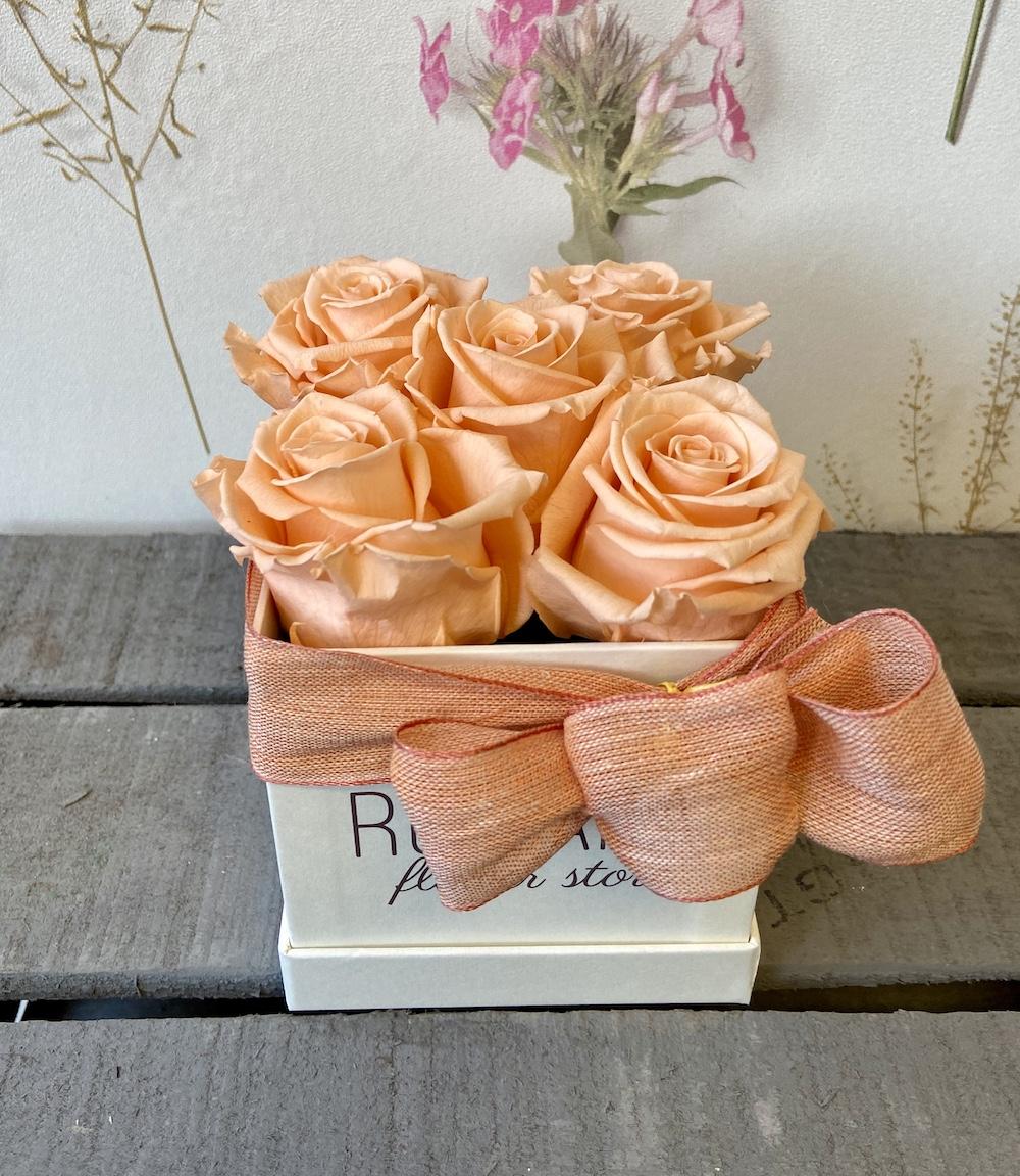 flower box rose stabilizzate pesca florashopping Rossana flower store NovellinoIMG_0265