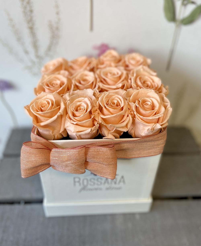 flower box rose stabilizzate pesca florashopping Rossana flower store NovellinoIMG_0296